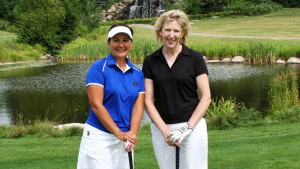 Women Golfing in Rhinelander