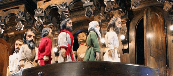 Oshkosh Public Museum - Apostles Clock