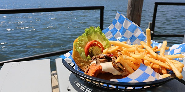 Discover waterfront restaurants